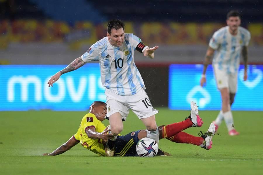 Argentina cede un agónico empate ante Colombia en eliminatoria a Qatar-2022