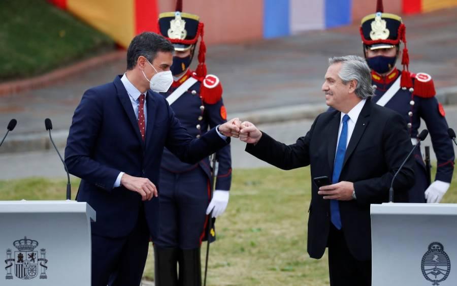 Alberto Fernández: Mexicanos salieron de los indios y nosotros, los argentinos, de los barcos; pide disculpas