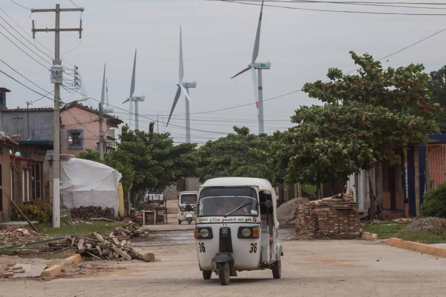 Critican a gobierno francés por proyecto eólico en México
