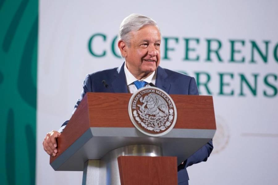 AMLO reconoce error en saludo a vicepresidenta de EEUU