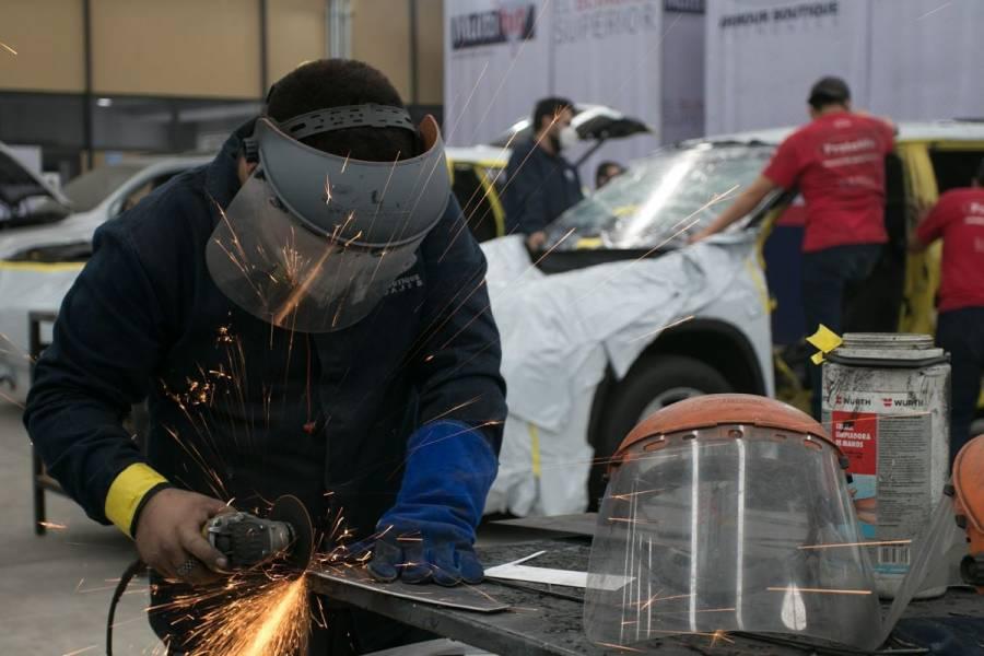 Actividad industrial cae 0.2% en abril tras diez meses al alza