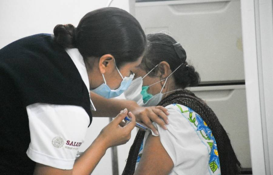 Hoteleros de Quintana Roo celebran autorización para vacunar a personal del sector turístico