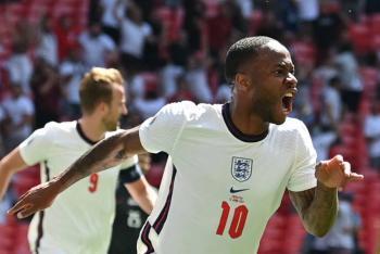 Sterling e Inglaterra vencen a Croacia en Wembley