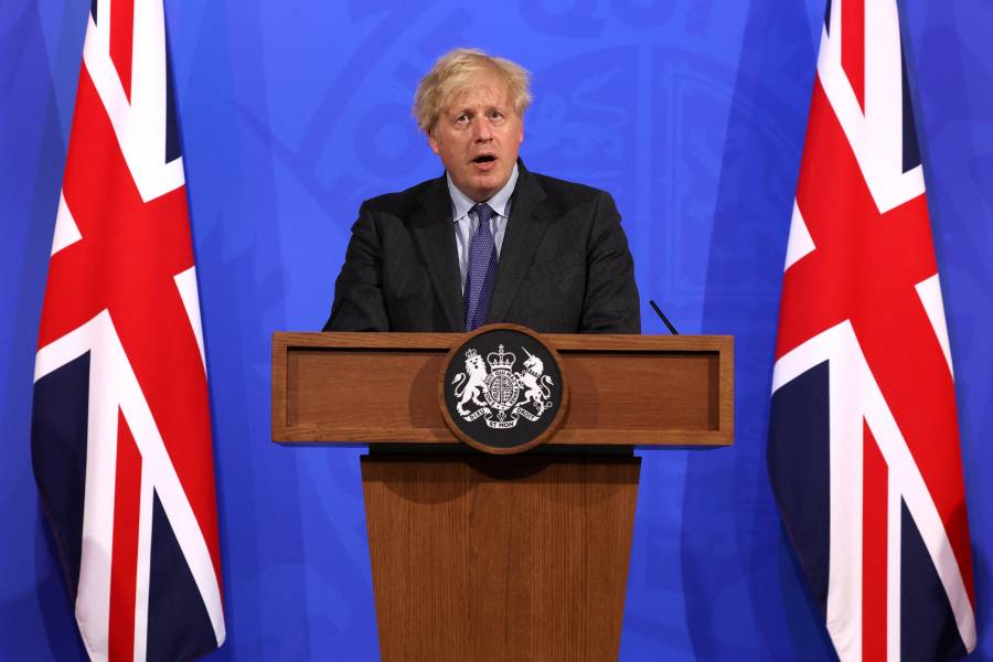 Cuatro semanas más, los británicos seguirán con las restricciones antiCovid