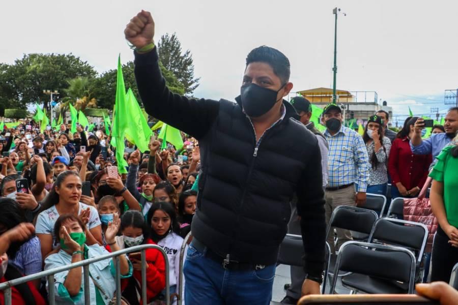El Pollo Gallardo celebra ratificación de su victoria