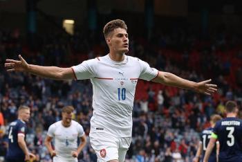 Dos goles de Schick doblegan a Escocia y ponen líder a República Checa en la Eurocopa