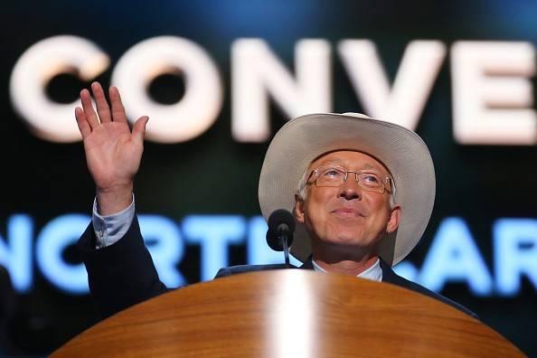 Biden designa a Ken Salazar como nuevo embajador de EEUU en México
