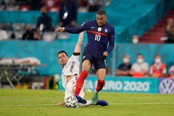 Con autogol de Hummels, Francia derrota a Alemania en la Euro