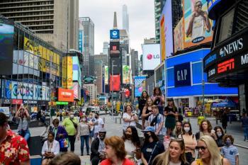 Nueva York levanta restricciones por Covid-19 tras vacunar a 70% de adultos
