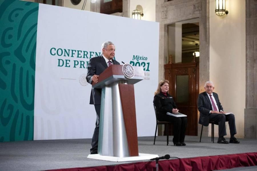 AMLO evita pronunciarse sobre el dictamen de la L12, asegura que habrá sanciones
