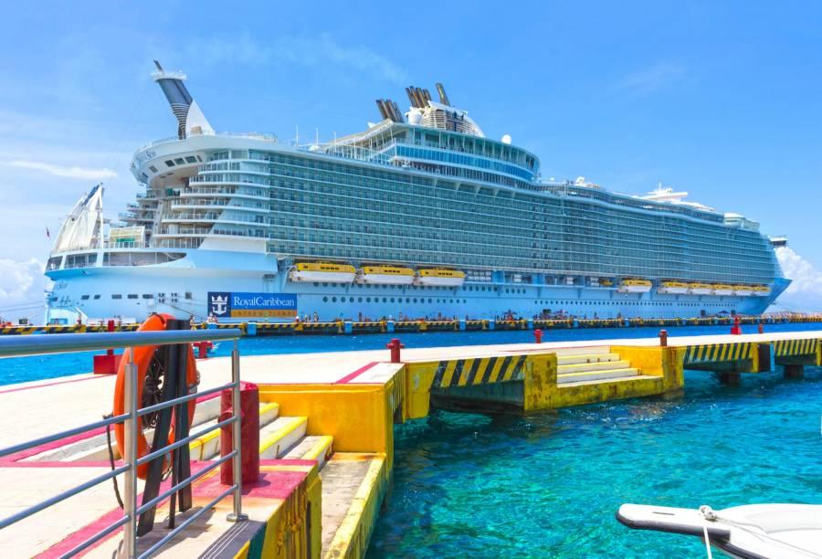 Inicia recuperación del sector turístico; llegan cruceros