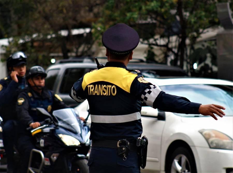 VIDEO: Conductor atropella a policía en CDMX por evitar multa