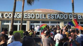 Uno más, Baja California aprueba matrimonios del mismo sexo