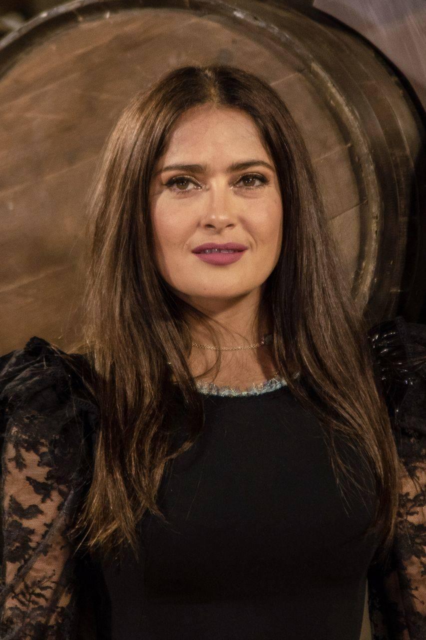 En Hollywood, Salma Hayek tendrá su estrella en el Paseo de la Fama