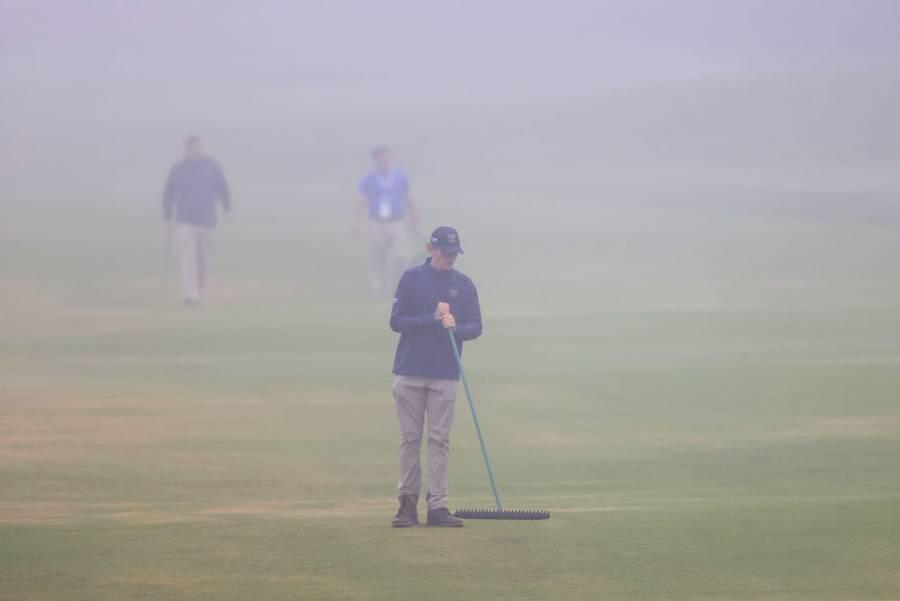 El Abierto de golf en EEUU arrancó con 90 minutos de retraso por niebla