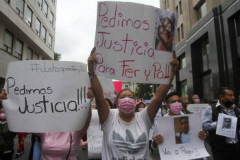Se manifiestan en apoyo de Fer y Polly, mujeres embestidas por Diego N en Iztacalco