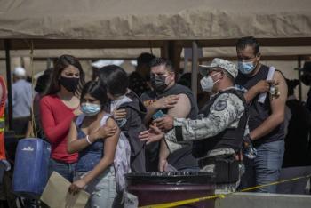 Adelantan vacunación a personas de 30 a 39 años en Quintana Roo y BCS