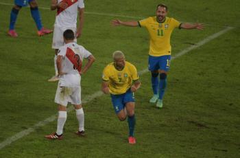 Brasil golea a Perú y clasifica a cuartos de final en Copa América
