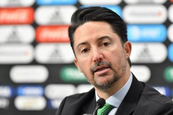 México podría perder sede del Mundial 2026: Yon de Luisa