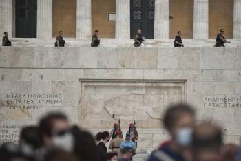 Grecia recibirá a turistas de terceros países