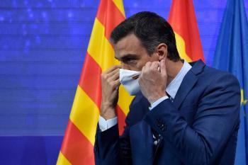 España dejará de usar mascarilla al aire libre y Moscú sufre la variante Delta del virus