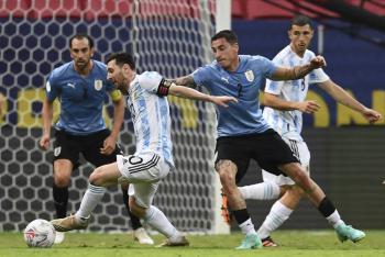 Argentina vence a Uruguay en el clásico rioplatense de Copa América