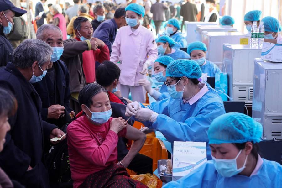 China supera las mil millones de dosis administradas de vacunas contra Covid-19