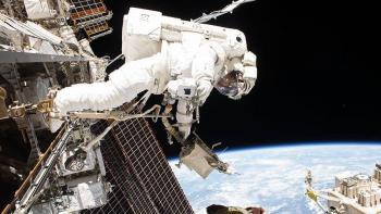 Astronautas de la ISS realizaron una caminata espacial