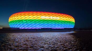 Múnich quiere iluminar su estadio con los colores LGBT