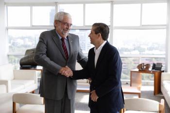 Giovani Gutiérrez visita al rector de la UNAM, Enrique Graue
