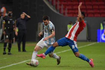 Copa América: Argentina pasa a cuartos de final al vencer a Paraguay por la mínima