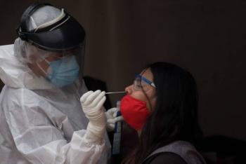 En México, aumentan en 4 mil 233 los nuevos casos de coronavirus y otros 261 fallecidos