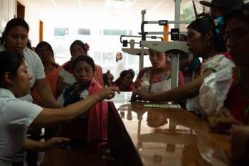 Coneval: 21% de los mexicanos no tienen acceso a servicios de salud