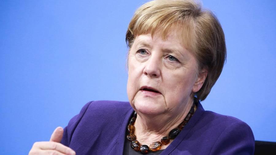 """Critica Angela Merkel ley húngara sobre LGBT, la considera """"equivocada"""""""