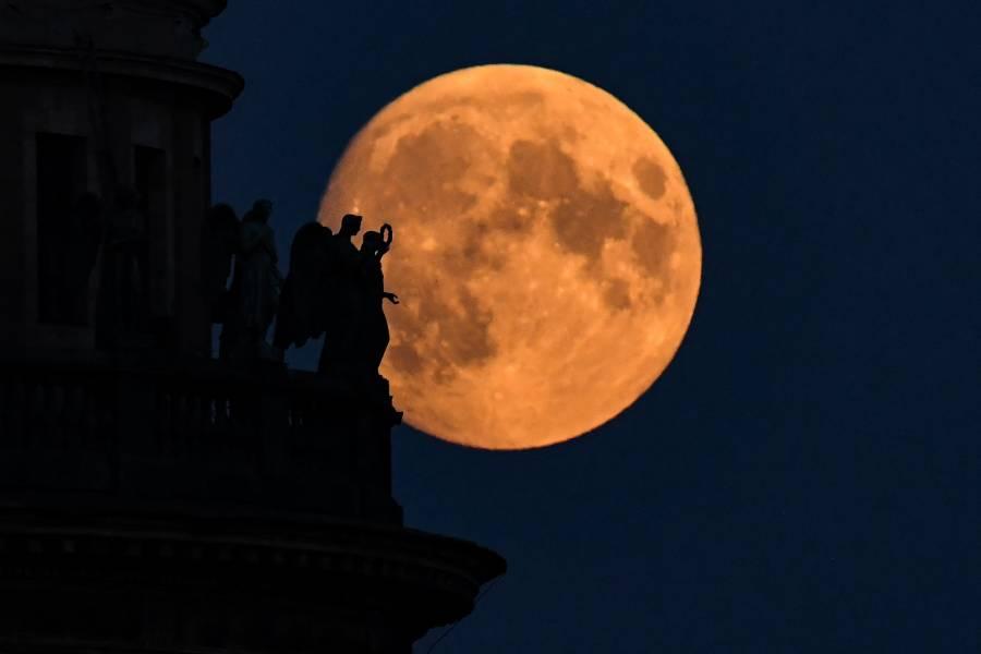 La Nasa lanzará misión para explorar el lado obscuro de la Luna