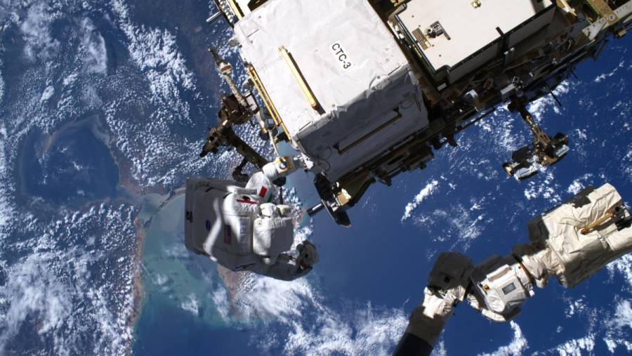 AEE busca reclutar a más mujeres para enviar al espacio