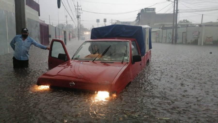 Por lluvias, se registran grandes inundaciones en Edomex