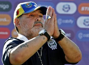 Psicólogo declara ante fiscalía debido a la muerte de Maradona