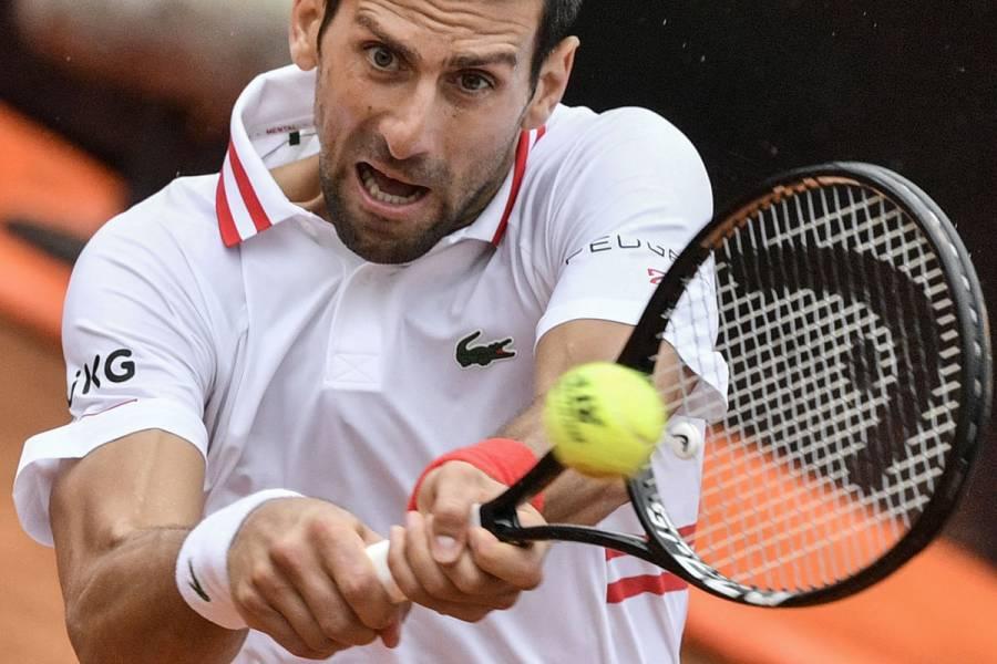 Novak Djokovic se mete en la final de dobles del torneo de Mallorca