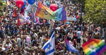Participan miles de personas en la Marcha del Orgullo en Tel Aviv