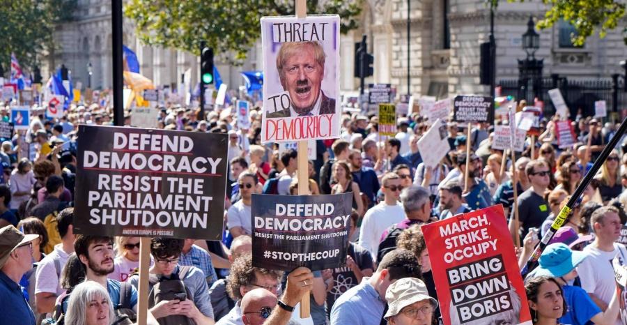 En Londres se manifiestan contra las restricciones anticovid