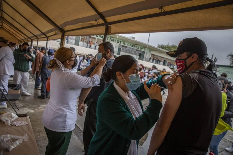 Pide senador reporte sobre estrategia de vacunación antiCovid