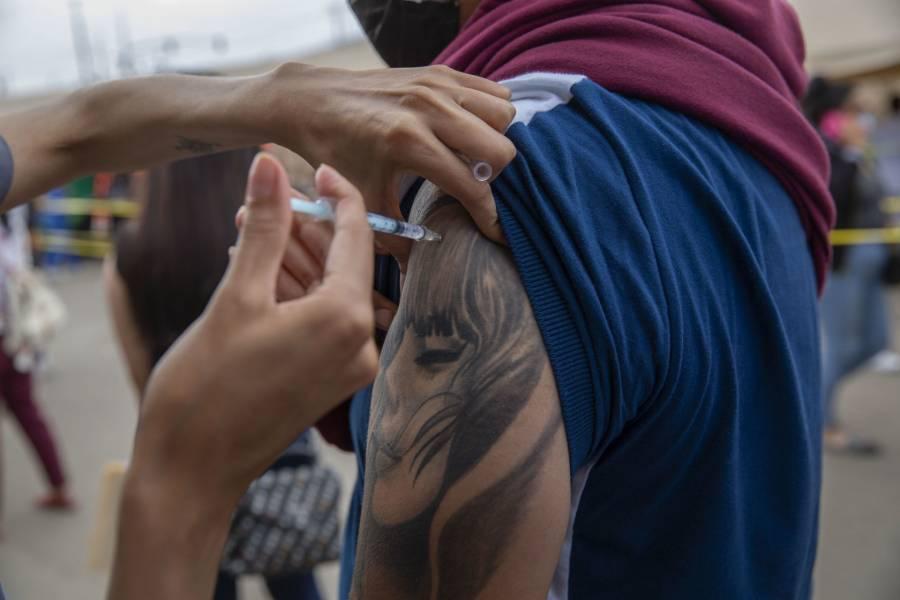 Aumentan 2 mil 384 los nuevos casos de coronavirus; Chiapas, entidad con menor población vacunada
