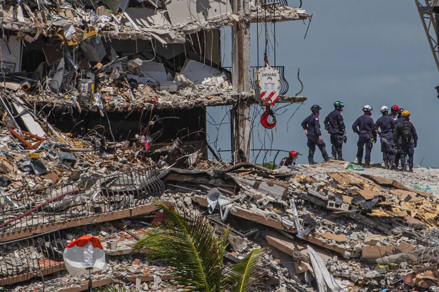 Biden visitará el jueves el sitio del derrumbe en Florida, dice la Casa Blanca