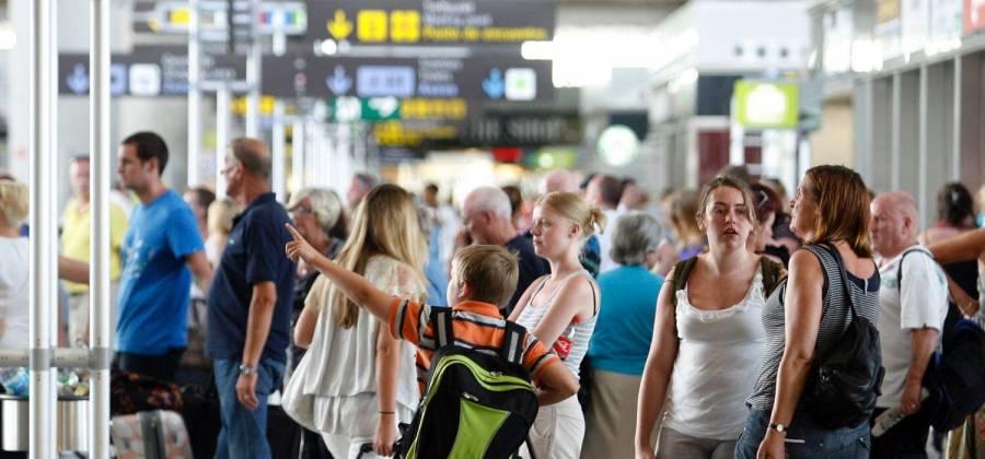 En mayo, arribaron 970 mil viajeros de EEUU: Segob