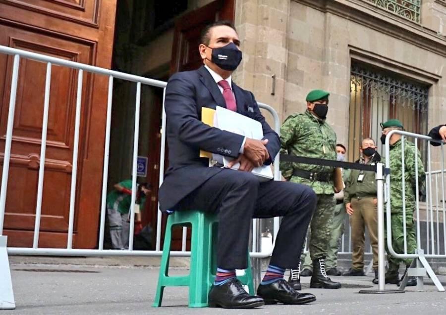 """Silvano Aureoles va Palacio Nacional con """"pruebas"""