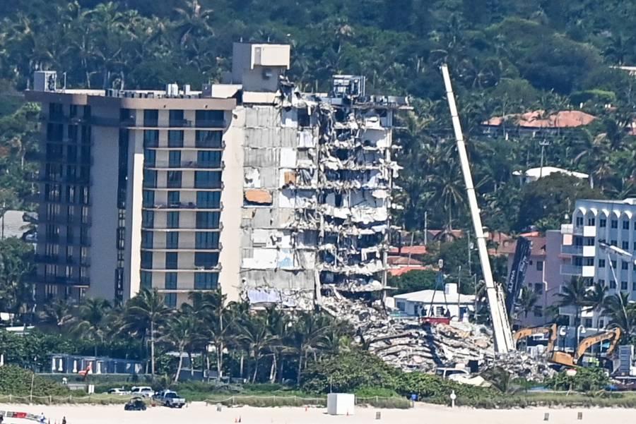Reanudan labores de rescate en edificio colapsado de Miami