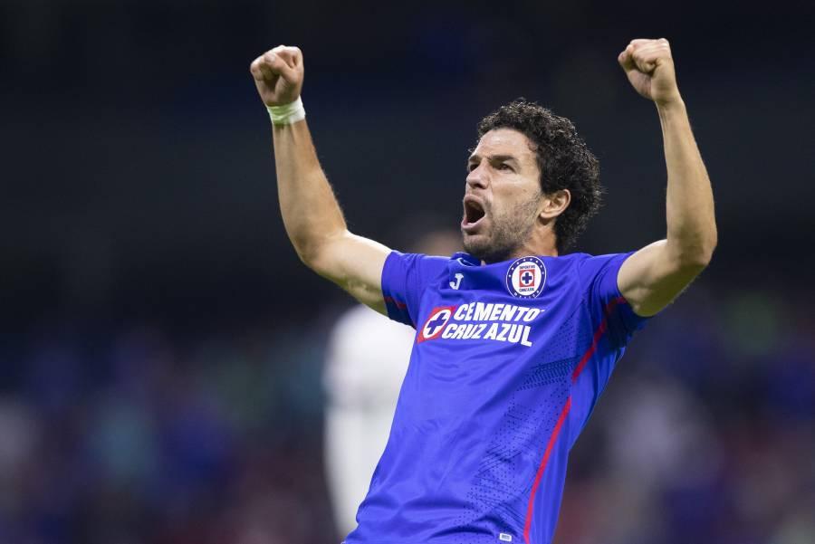 Cruz Azul hace oficial la renovación de Ignacio Rivero