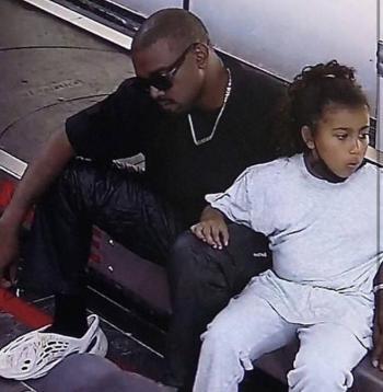 Captan a Kanye West con sus hijos en Oaxaca