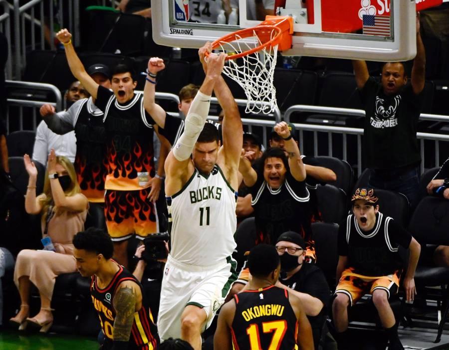 Bucks vencen 123-112 a Hawks y están a un paso de las finales